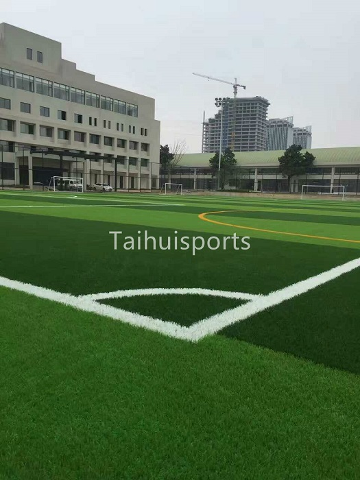 Recyclable UV&heat resistant SEBS Rubber Artificial Grass Infill odorless Food grade Hollow Shape 2MM - 4MM Diameter 8